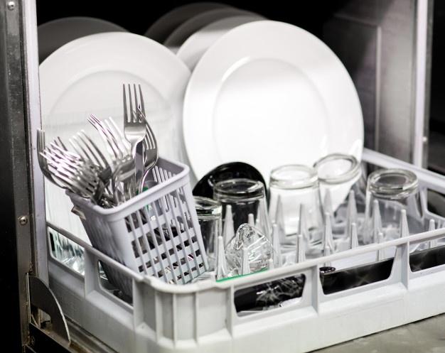 Comment nettoyer des verres ternis par le lave-vaisselle ?